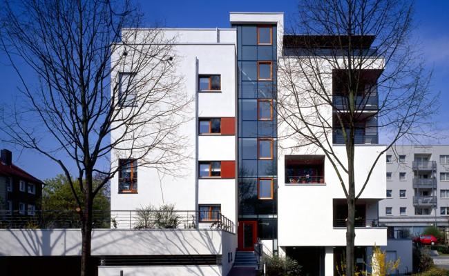 Mehrfamilienhaus außen