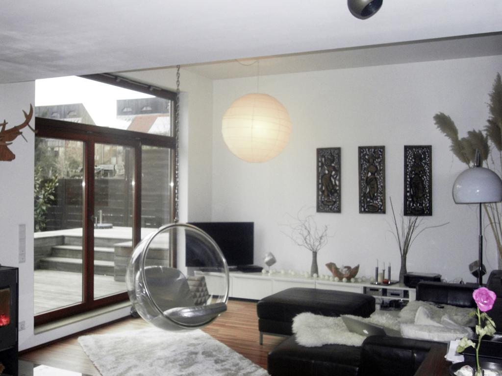 Wohnhaus mit penthouse und praxisraum poggel architekten for Einfamilienhaus innen